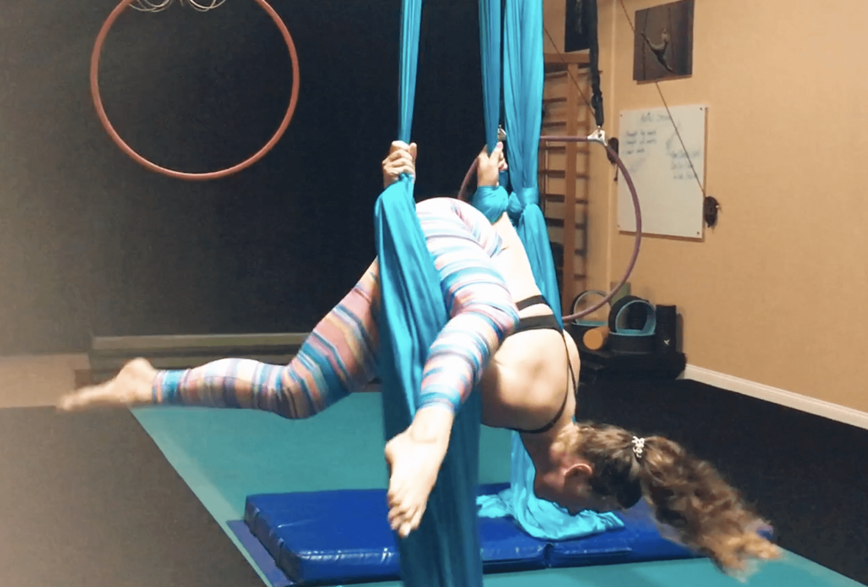 How To Do An Alien Split On Silks